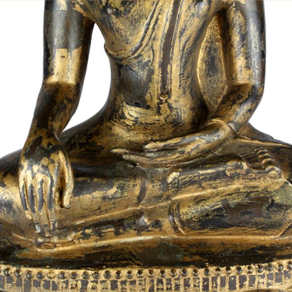 Detail Boeddha Gautama in Bhumisparsa Mudra