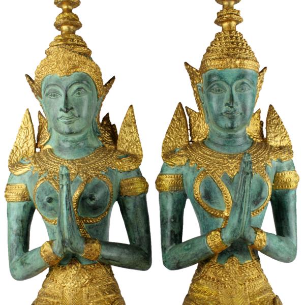 Detail Anjali mudra Thep Phanom tempelwachters