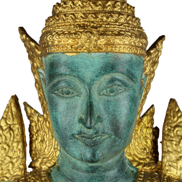 Hoofd van mannelijke Thep Phanom tempelwachter