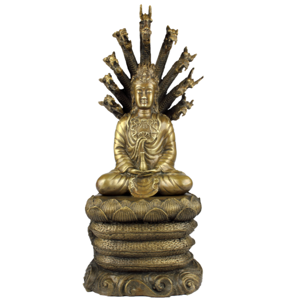 KwanYin beschermd door Naga