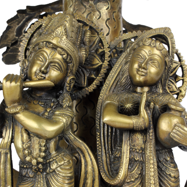 Gezichten van Krishna en Rama